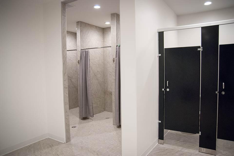 Fitness 1440 gym bathrooms