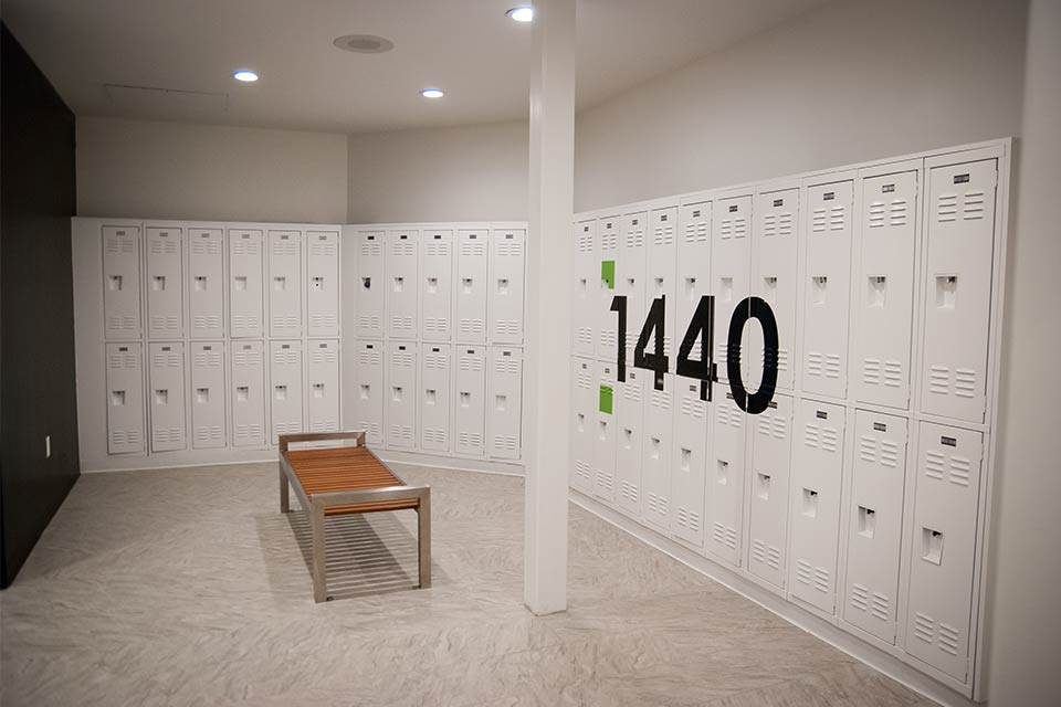 Fitness 1440 gym locker room